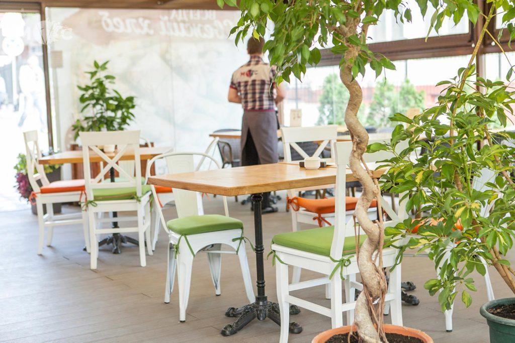Летнаяя терраса в ресторане Монтекки Капулетти_01