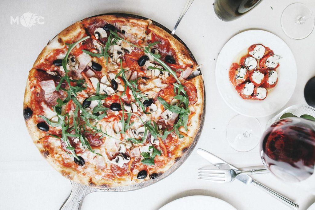 Вкуснейшая пицца в Киеве - пицца в Монтекки Капулетти